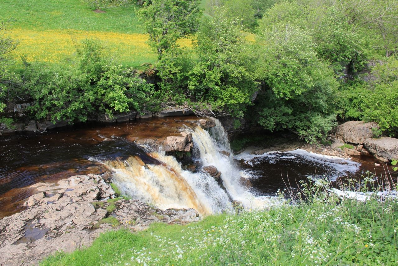 keld bunkbarns and yurts waterfall